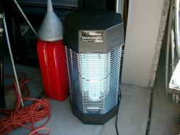 Flowtron FC-8800 Diplomat Fly Control 120W Insect Killer Zap